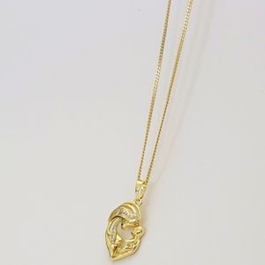 chain with mother and baby charm very beautiful